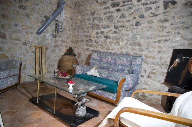 Sala-de-ocio-bodeguita-Casa-Grabiel-turismo-de-Areny-de-Noguera-Aragón