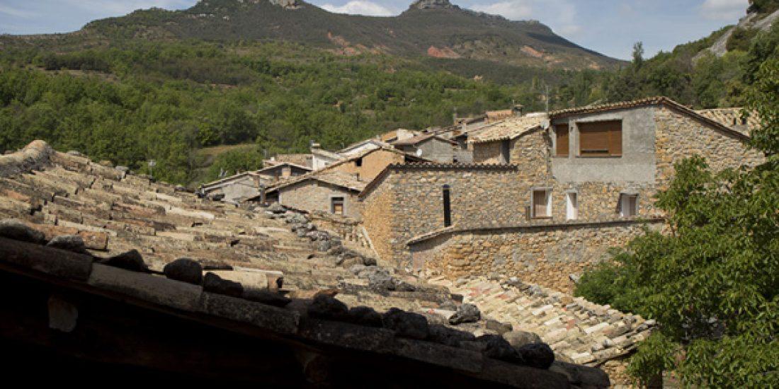 Ventana-estancia-1-Casa-Grabiel-turismo-de-Areny-de-Noguera-Aragón