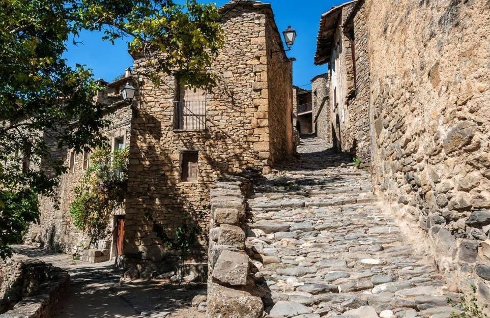 Desde Casa Grabiel visita el Conjunto histórico de Montaña
